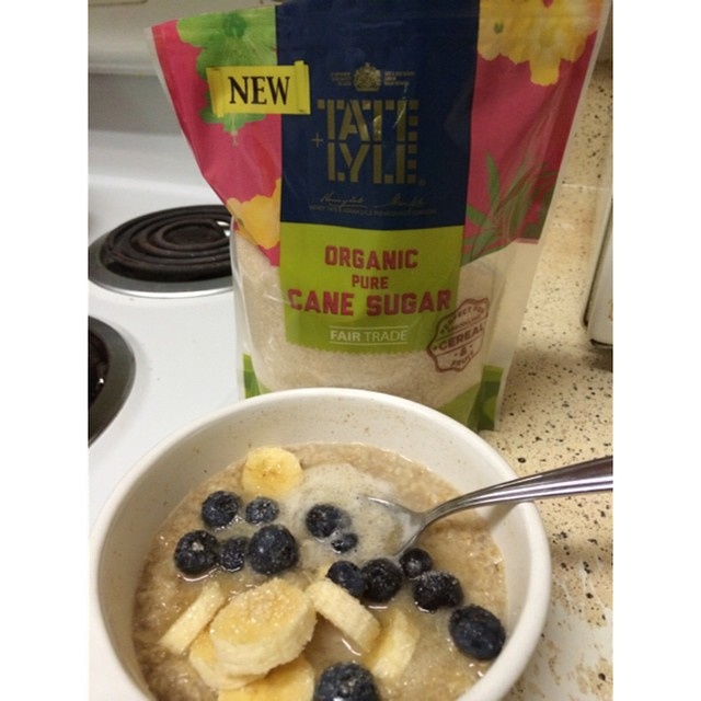 Late breakfast: oatmeal with blueberries & bananas topped with 100% pure can sugar. Find it at Walmart #DiscoverTateandLyleSugars #ad #bh