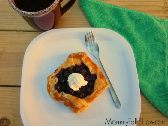 Simple Blueberry Puff Pastry Recipe ~ MommyTalkShow.com