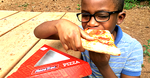How @RaceTrac Pizza & Coffee are a Quick After-School Snack #AD